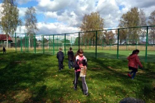 Луковниковские школьники включились в генеральную уборку