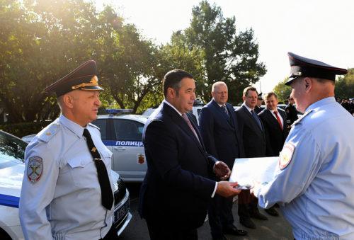 67 новых служебных машин переданы подразделениям ГИБДД и участковым Тверской области