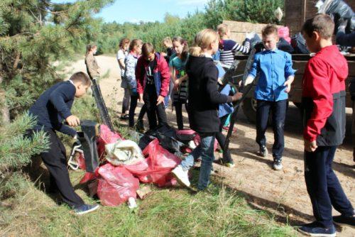 Новоямские школьники устроили День чистоты