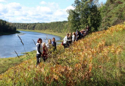 Исследуем уникальные уголки Старицкого района: юные экологи и их руководители в Толпино