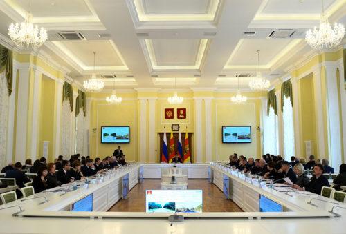 На заседании Правительства Тверской области рассмотрели реализацию программы дорожных работ в 2018 году