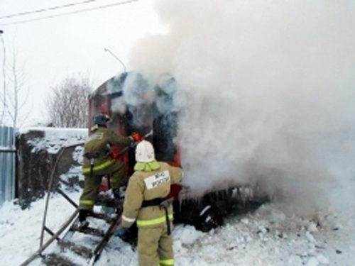 В Ново-Ямской горел вагон-бытовка