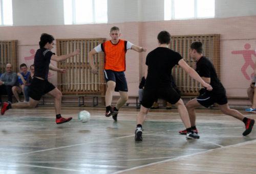 Стартовал Открытый чемпионат города Старицы по мини-футболу