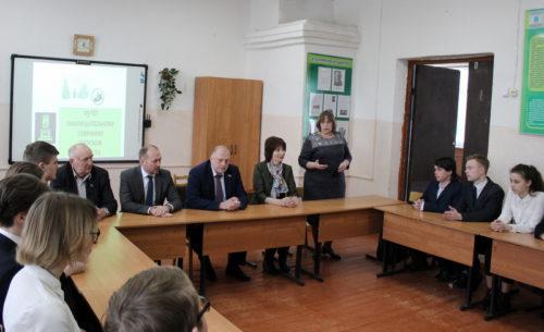 Председатель Законодательного Собрания Сергей Голубев встретился со старичанами и провёл для школьников «Урок парламентаризма»