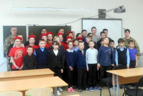 Степуринские школьники встретились с командиром ВПК «Русь»