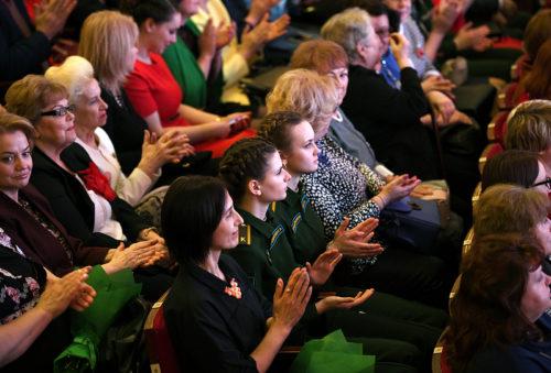 Губернатор Игорь Руденя вручил награды женщинам Верхневолжья