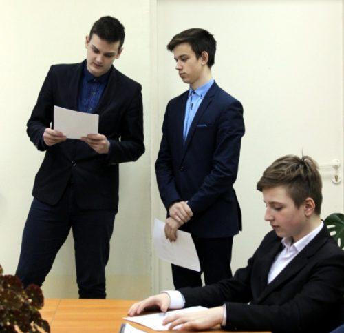 В Ново-Ямской школе прошёл конкурс презентаций в рамках проекта «Север рядом»