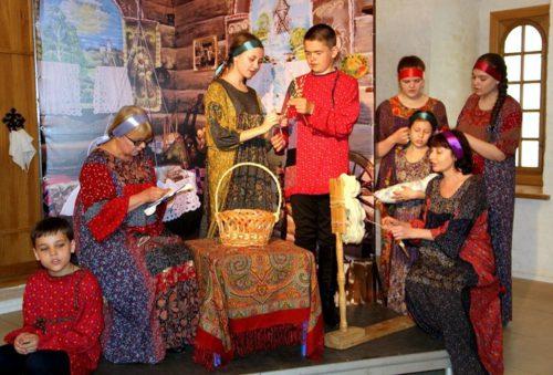 В Старице пройдёт творческий конкурс «Театр в моей жизни»