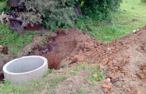 В деревне Болдырево ремонтируют водозаборный узел