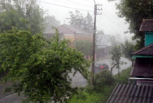 Синоптики предупреждают: ожидается сильный дождь!