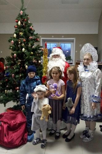 В Старице прошла ежегодная благотворительная акция «Доброе сердце. Новогоднее чудо»