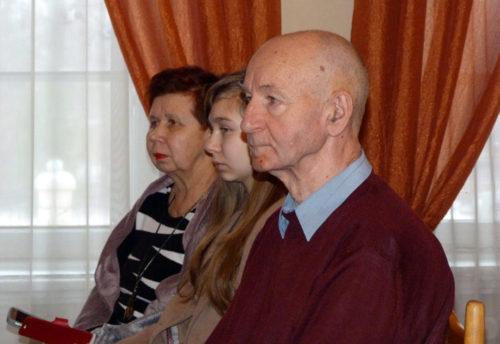 Со старичанами встретился поэт Александр Воронов