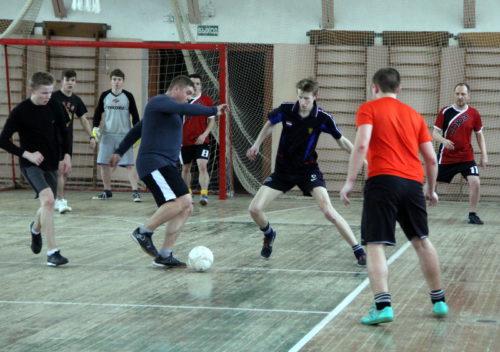 Чемпионат по мини-футболу набирает обороты