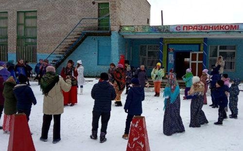 В Бернове провожали Зиму и встречали Весну