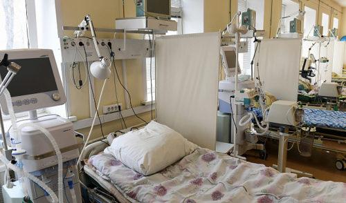 В Твери выписали двоих пациентов, выздоровевших после коронавируса