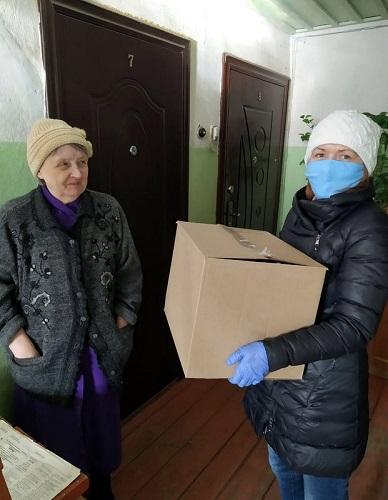 Старицкие волонтёры приступили к доставке бесплатных продуктовых наборов