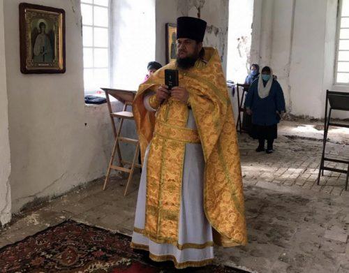 Святители отче Николае, моли Бога о нас!