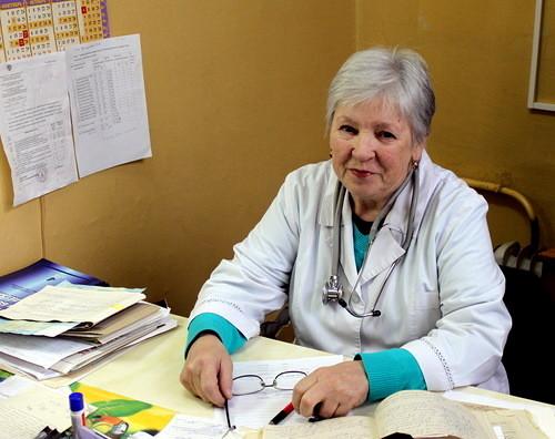 Почётное звание «Заслуженный врач Российской Федерации» присвоено врачу-фтизиатру Старицкой центральной районной больницы Валентине Головко