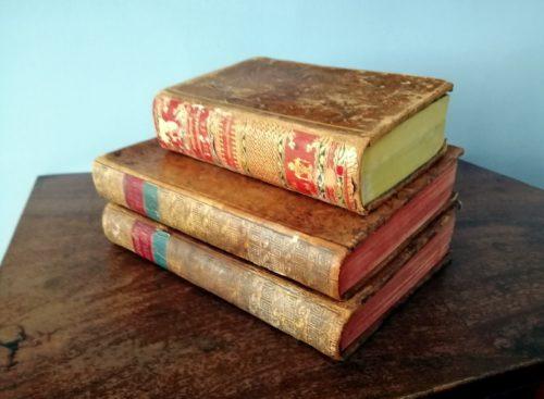 «На книге каждое пятно - немой свидетель о заслуге»