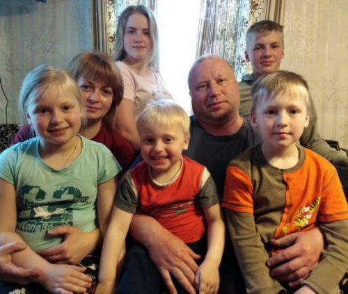 Игорь Руденя при общении с семьями Верхневолжья сообщил о новой региональной мере поддержки - выплатах на детей 16 и 17 лет