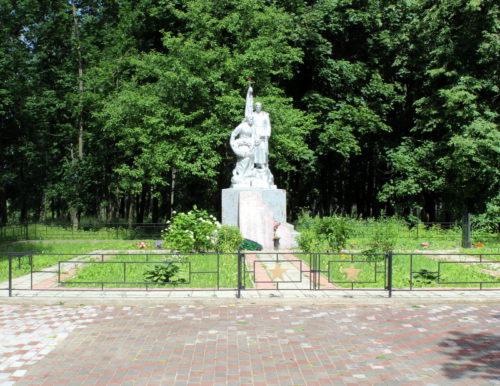 В Старицком районе обустраивают братские захоронения