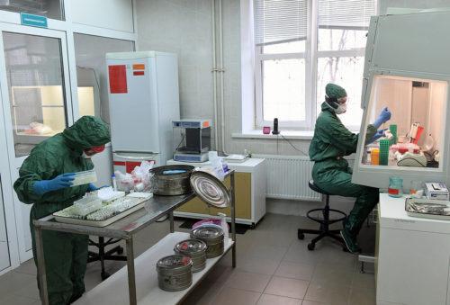 Лаборатории Тверской области за сутки провели более полутора тысяч исследований на коронавирусную инфекцию