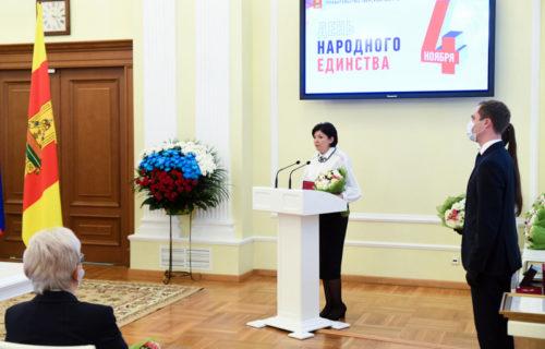 Игорь Руденя накануне Дня народного единства вручил государственные и региональные награды жителям Тверской области