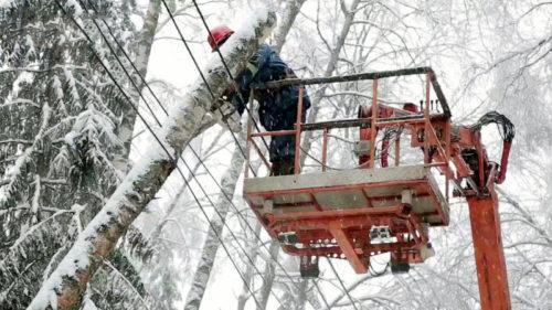 Тверской области оперативно устраняются нарушения на энергосетях