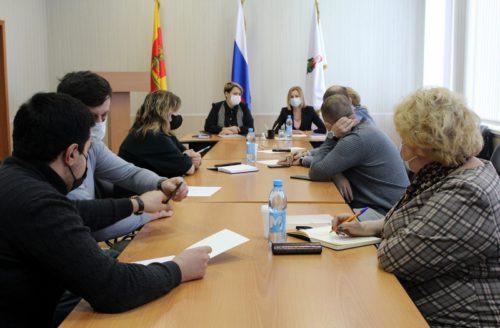 На совещании с представителями бизнеса из сферы общепита обсудили вопросы обязанности применения ККТ