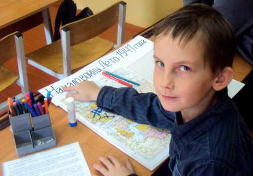 Васильевские школьники вышли на «Дорогу к Победе»