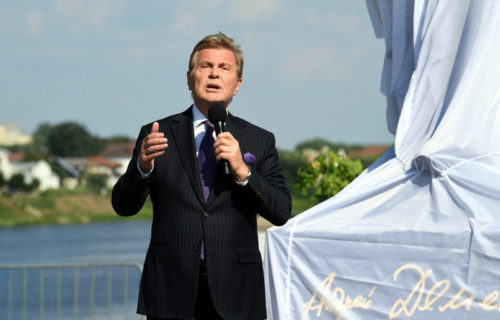 «А я без Волги просто не могу»: в Твери открыли памятник знаменитому поэту Андрею Дементьеву