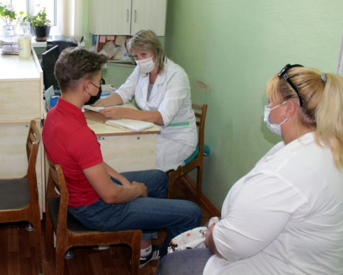 Детские врачи из Твери провели приём в Старице