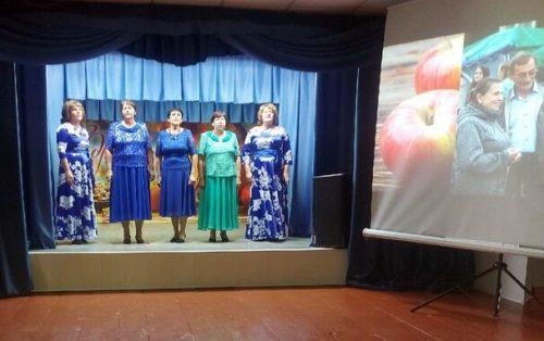 В Орешках День села отпраздновали в Медовый Спас